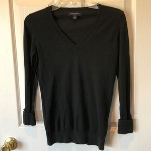 Banana republic thin black v-neck sweater. Exc con